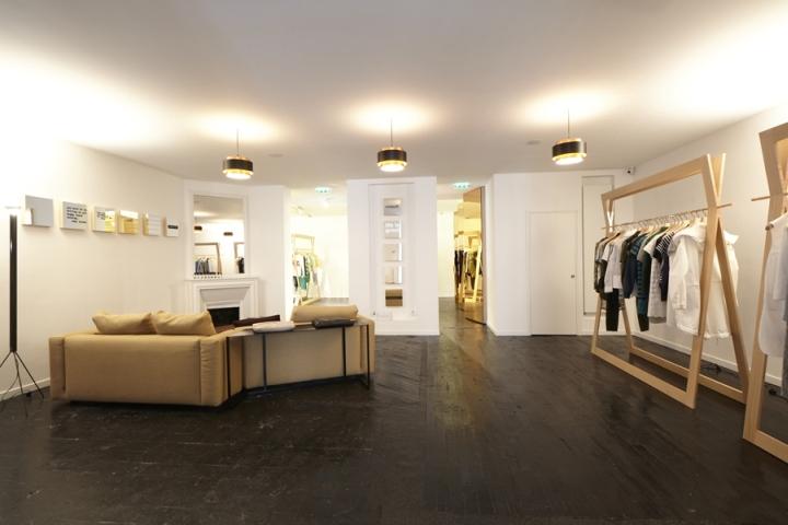 Tom Greyhound精品专卖店空间设计